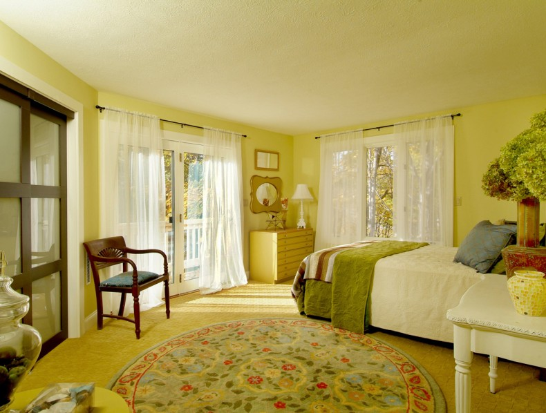 Bedroom Renovation With Corner Closet