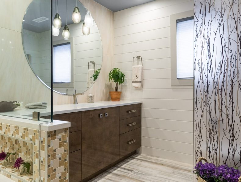 Modish Cottage Bath