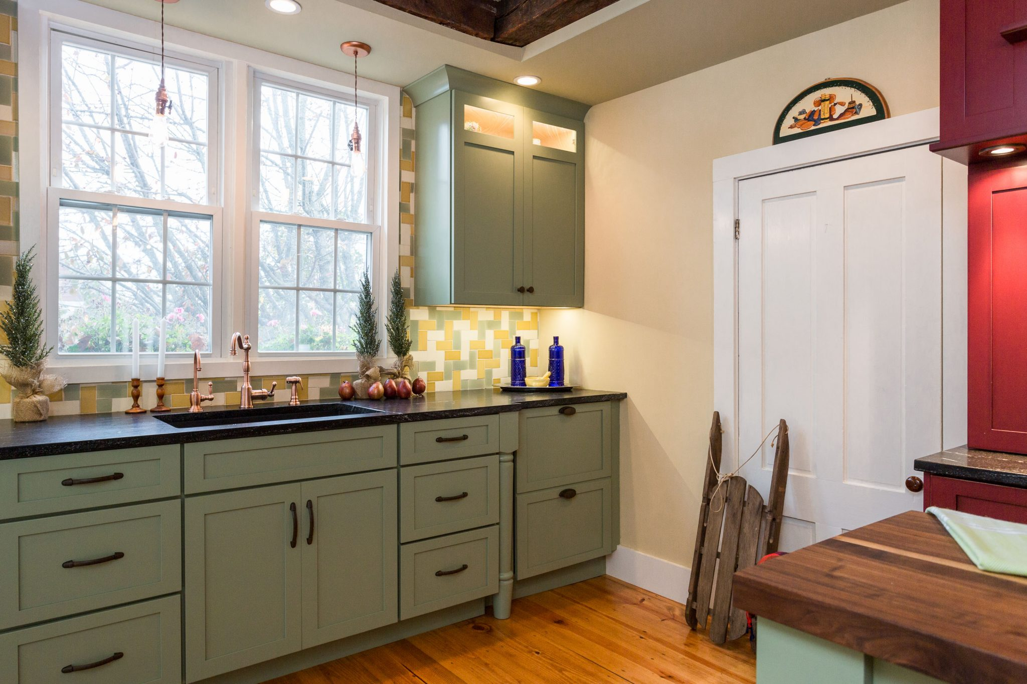 farmhouse style kitchen cabinets 1800 s historical farmhouse new design elements 15284